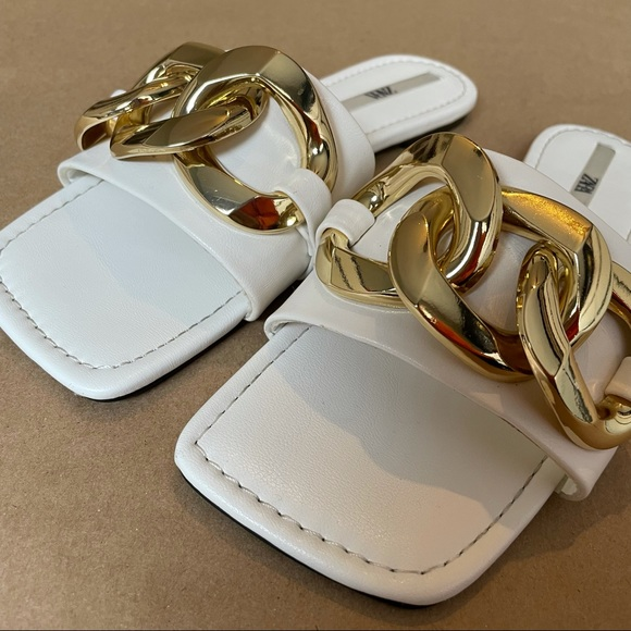 Zara white leather sandals with chain